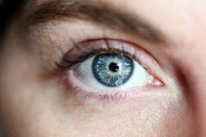 Controla el ojo seco